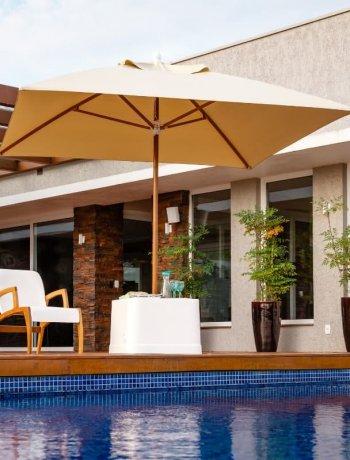 Guarda-sol e Ombrelones para piscina, jardim e praia
